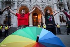 Transzneműeket ellehetetlenítő törvényjavaslat visszavonását kérik a szervezetek